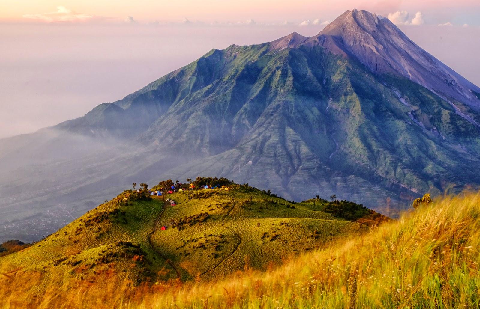 Merapi, tetangga terdekat Gunung Merbabu (source : Jemmy Effendy)