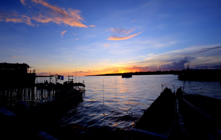 sunset di kota Agats (sumber : indonesiakaya.com)