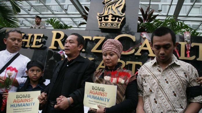 Korban Bom Ritz Carlton, Juli 2009 (bbc.com)