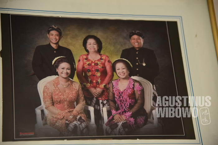 Djainem dan keluarga ketika berkunjung ke Yogyakarta (©agustinuswibowo.com)