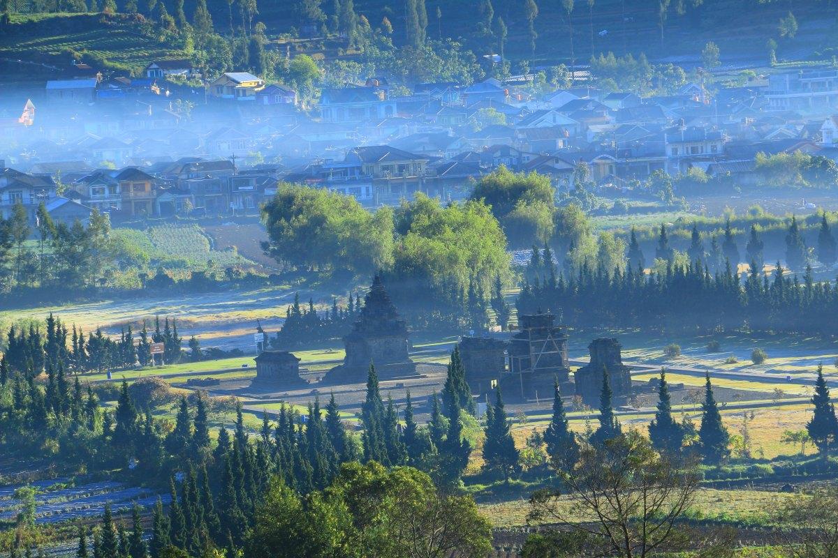 Dieng Kulon dengan Dataran Tinggi Dieng sebagai salah satu yang terindah di Indonesia (diengnesia.com)