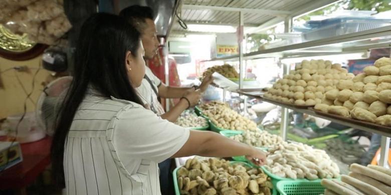 Penjual Pempek di masa kini (kompas.com)