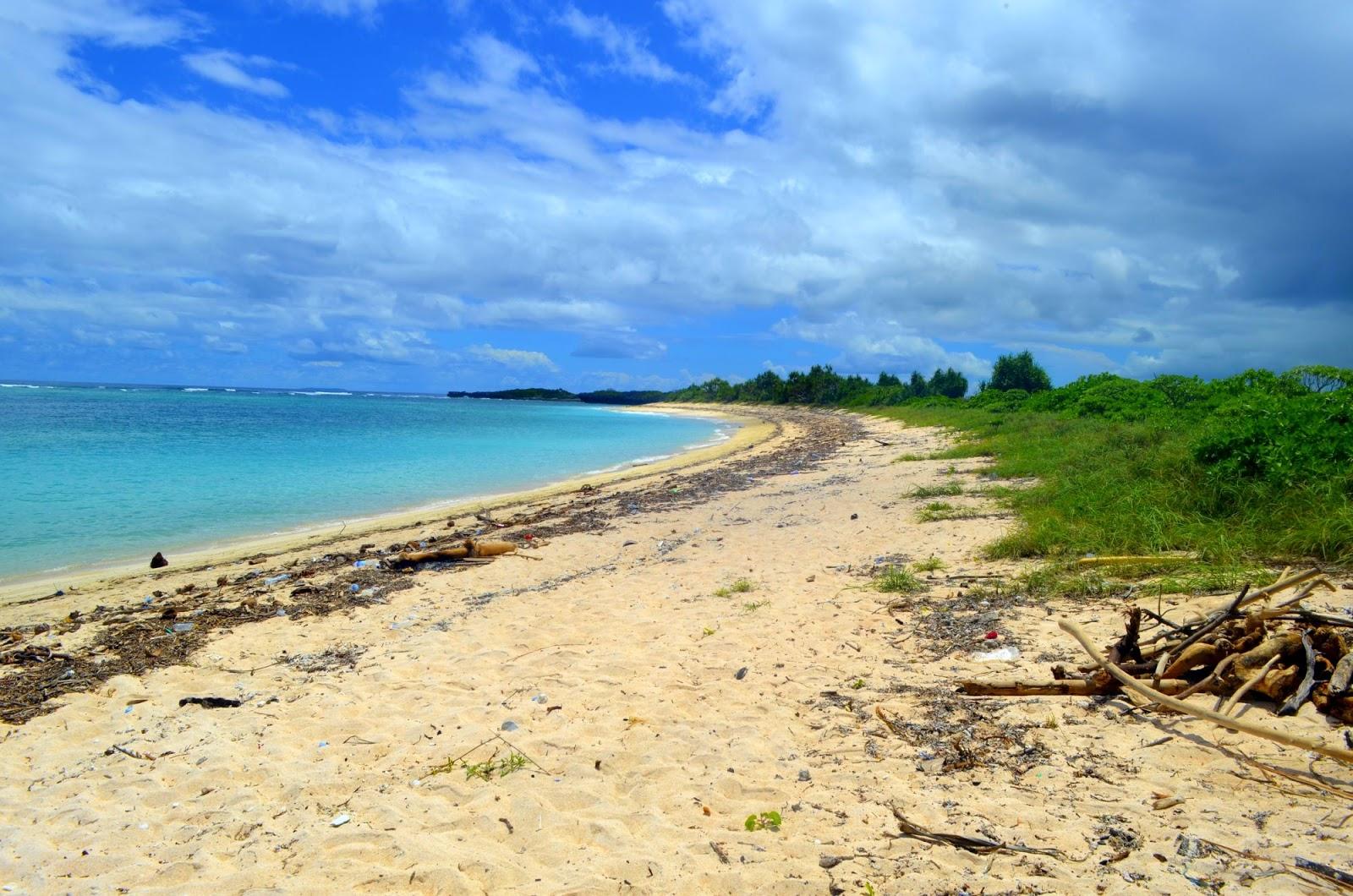 Pulau Ndana (sumber : bluepackerid.com)
