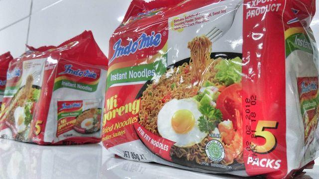 Indomie, produk mie yang sudah mendunia ini juga ikut dipasarkan di paviliun tersebut (kumparan.com)