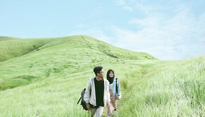 Hamparan savana yang luas (sumber: Instagram @folkindonesia