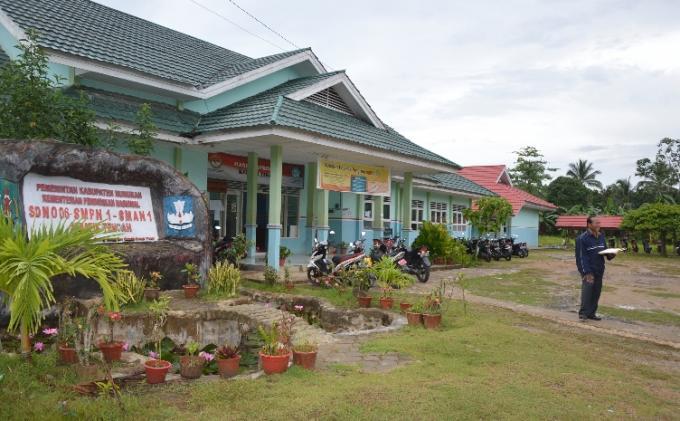 Sekolah di pulau Sebatik