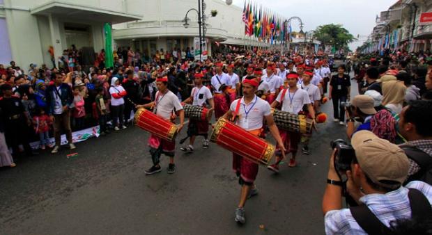 Ilustrasi: Karnaval Bandung I Foto: panduanwisata.id