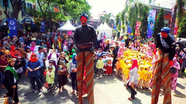 Ilustrasi: Karnaval Bandung I Foto: @arya_arutama