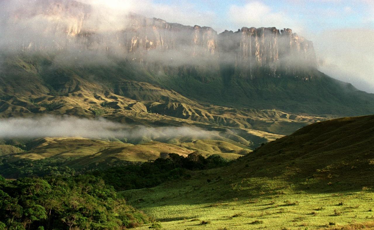 Taman Nasional Lorentz | Foto : Indonesia Travlr