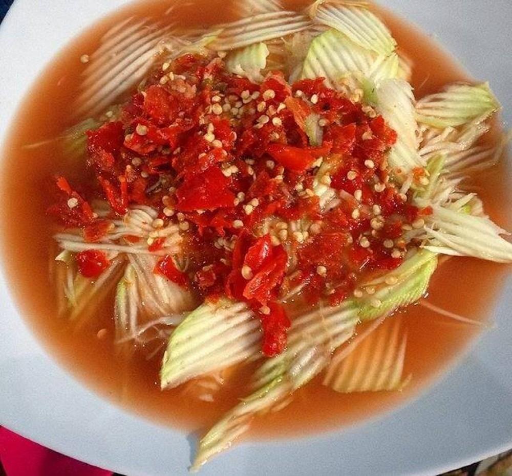 Rujak Kuah Pindang adalah salah satu makanan khas Bali   Foto : SUKITA.id