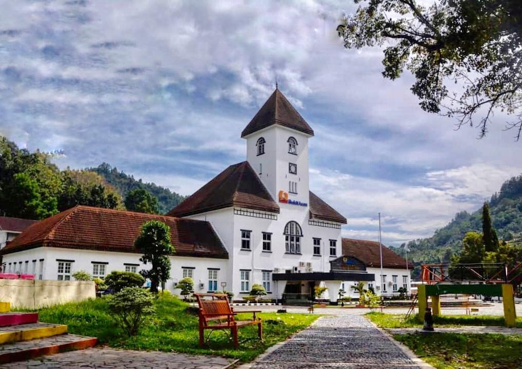 Salah satu bangunan di dalam kawasan wisata Tambang Batu Bara Ombilin yang dulu digunakan oleh PT Bukit Asam | Sumber Bukit Asam