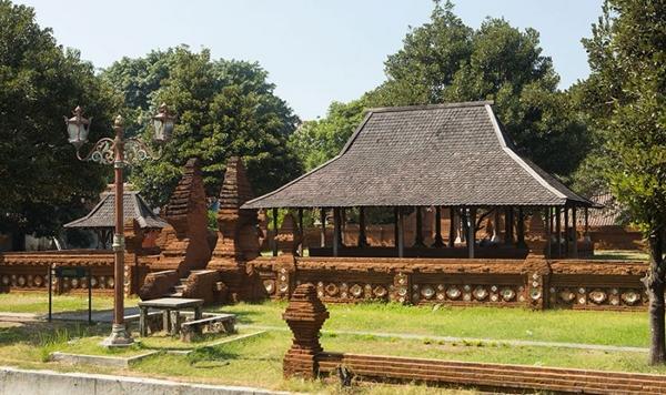 Keraton Kasepuhan Cirebon merupakan salah satu peninggalan Kerajaan Islam Cirebon | Foto : beritadunia.net