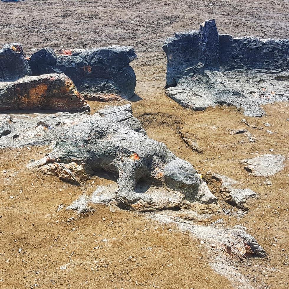 Batu yang dianggap sebagai batu Malin Kundang   Foto : Triplaketoba