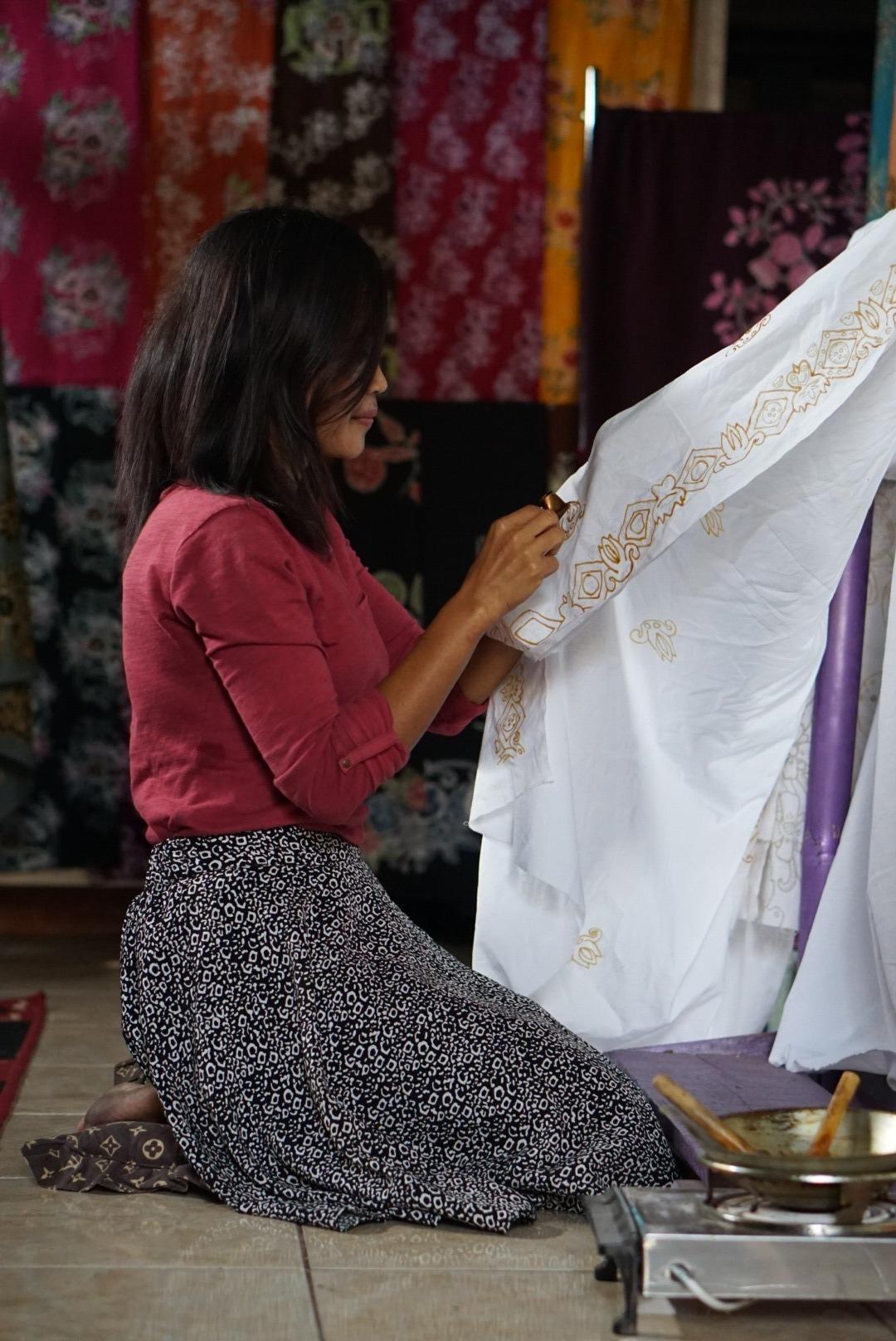 Proses Pembuatan Batik Sri Batok Bolu