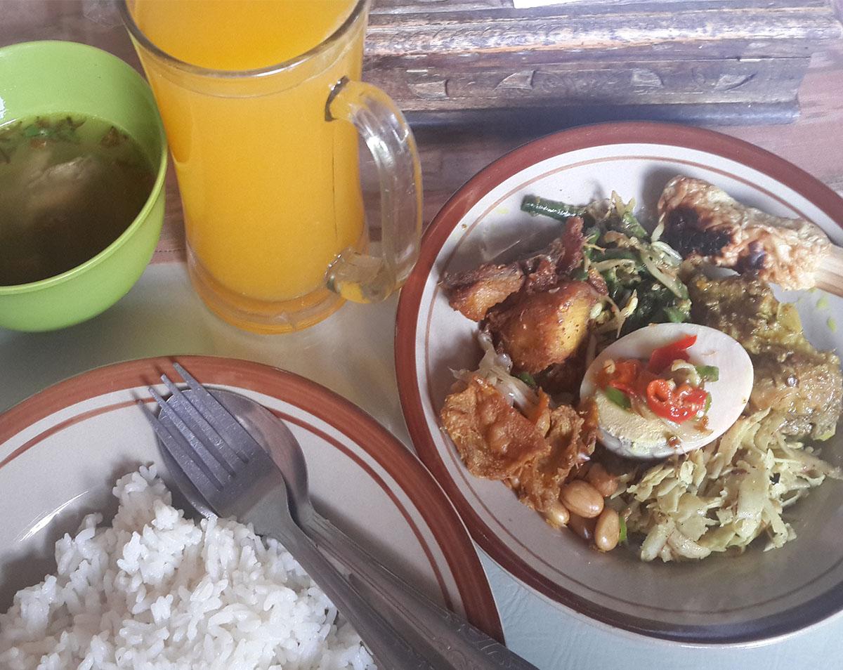 Nasi Ayam Bali - Warung Jeruk Manis - Liburan Keluarga Ke Bali